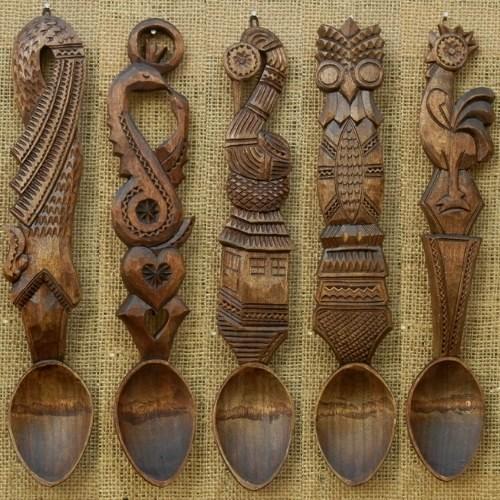 Linguri de lemn