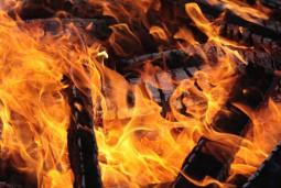sumedru-fire-festival-bran-moieciu-transylvania-romania'