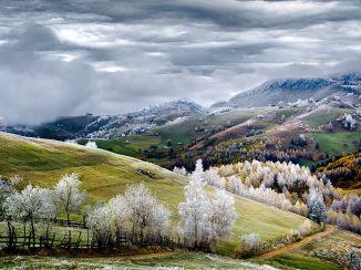 hoarfrost-romania-pestera-winter