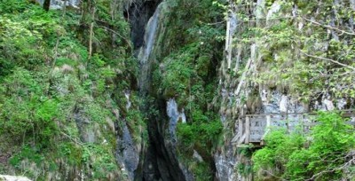 Huda lui Papara Cave