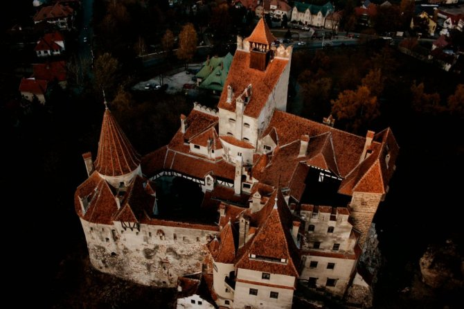 draculas-castle-bran-romanian